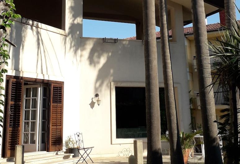 B&B Villa Victoria, רגוזה, חזית המלון