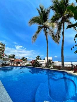 在巴亚尔塔港 (及周边地区)的唯一海滩街巴亚尔塔港酒店照片