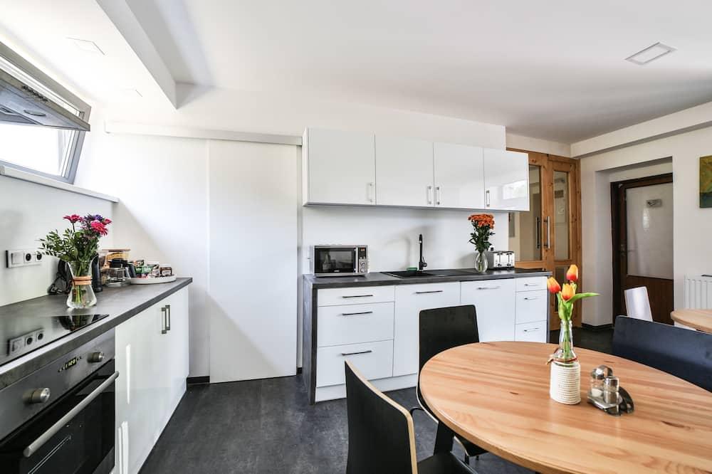 Dreibettzimmer, Balkon - Gemeinschaftsküche