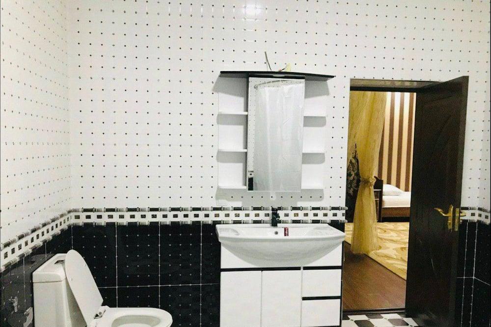 Chambre Familiale, salle de bains privée - Salle de bain