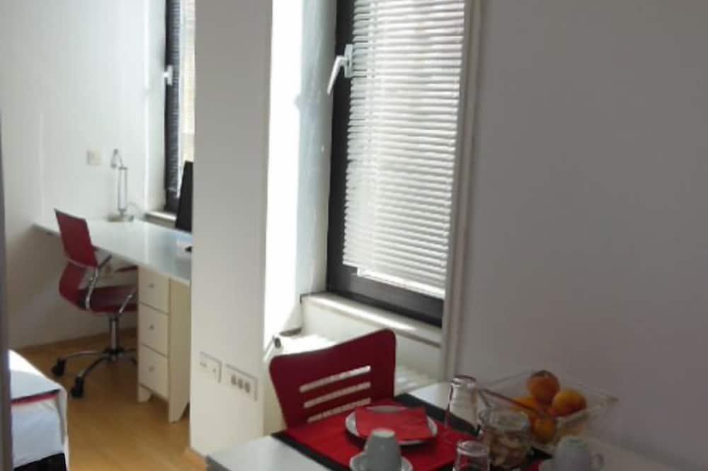 Studio, City View - In-Room Dining
