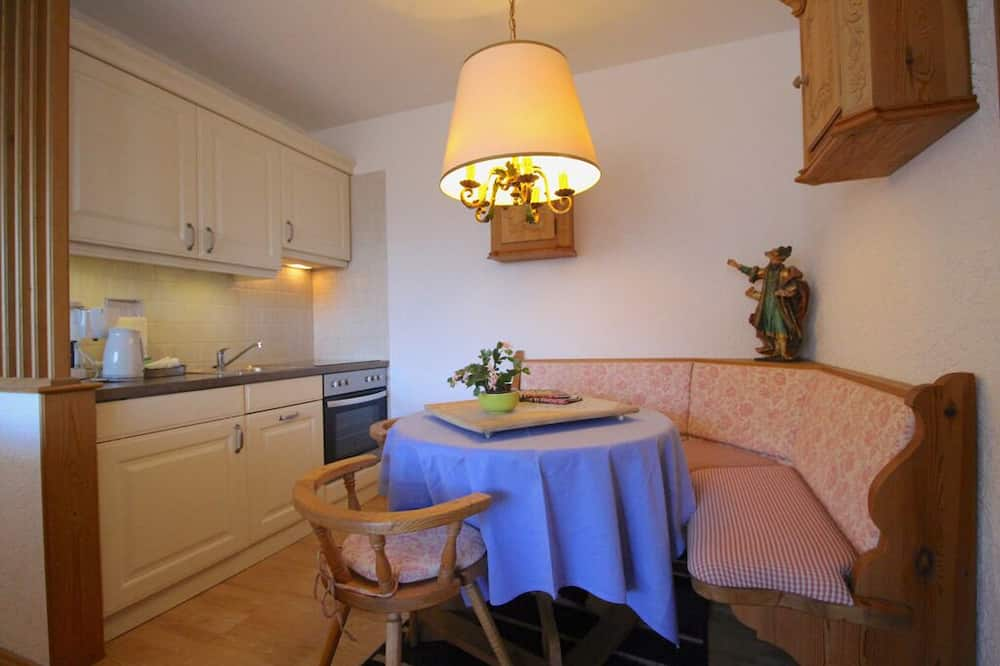 Apartment, 1 Bedroom, Mountain View (Wettersteinblick) - In-Room Dining