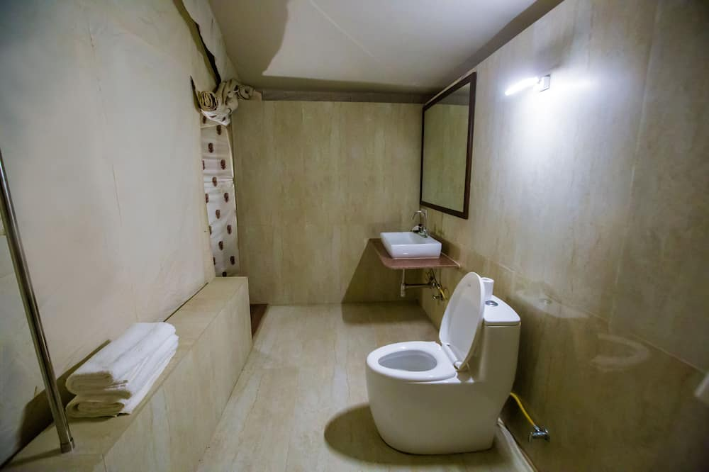 Luxury Desert Dune Tents - Bathroom