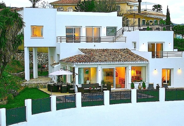 Brand New Villa Close To Beach, Marbella