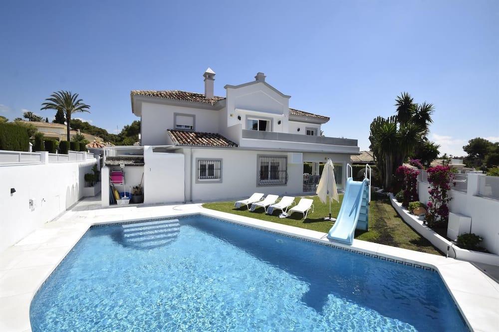 Fabulous Villa 200 M From Beach