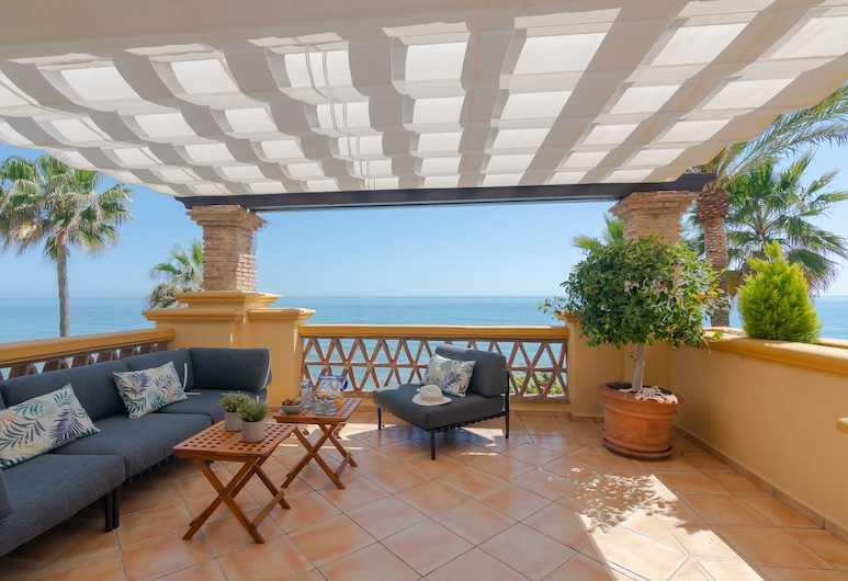 Super Front Line Location Apartment - Heated Pool, Marbella
