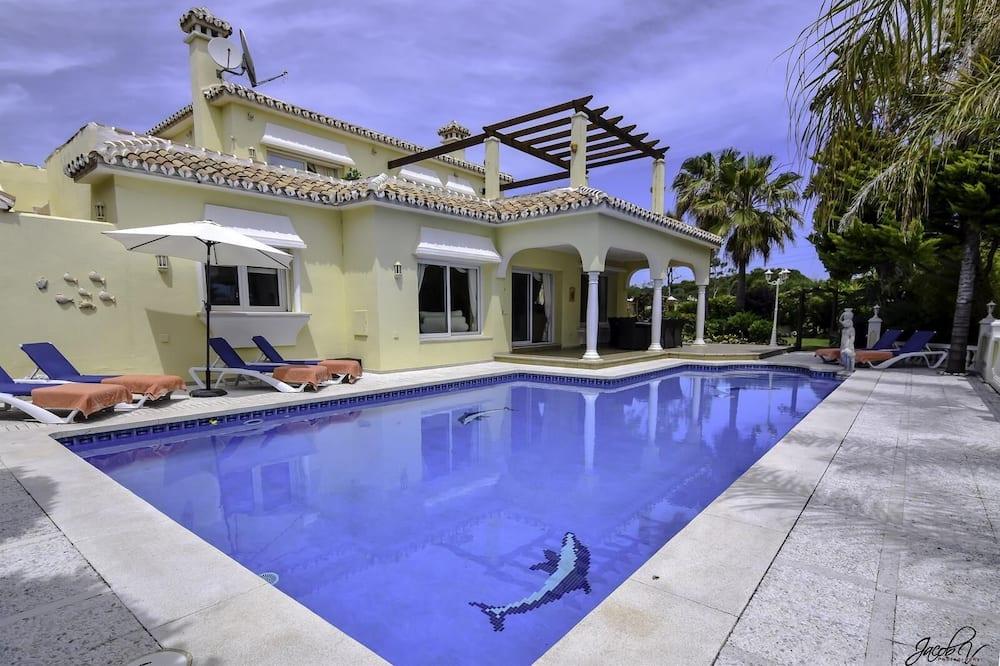 Exquisite Villa 50m To Beach