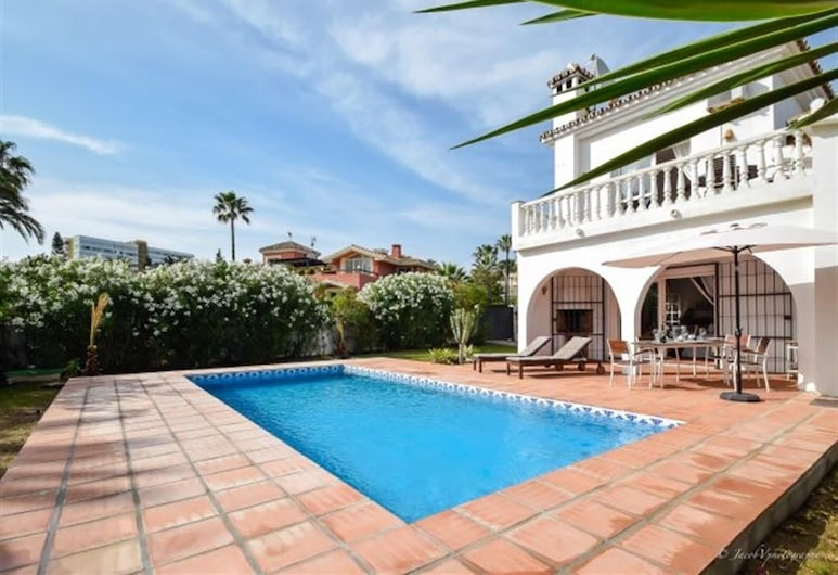 Cutest Beach Villa - 30 M To Beach, Марбелья, Открытый бассейн