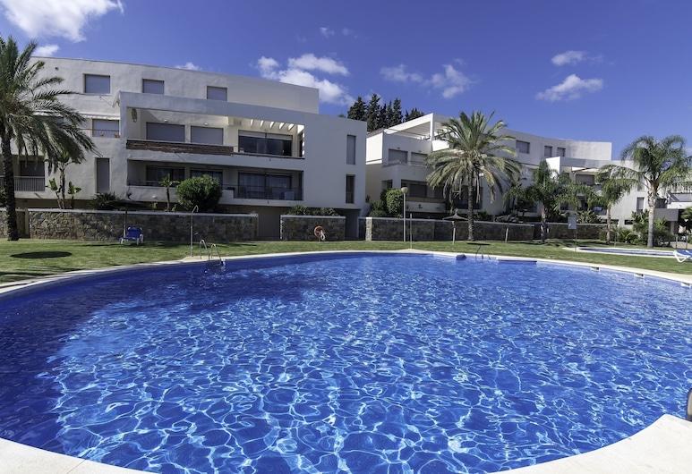 Great Penthouse Near Beach, Marbella, Buitenzwembad