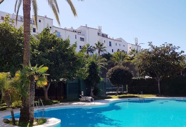 Groundfloor Apartment In Puerto Banus, Marbella