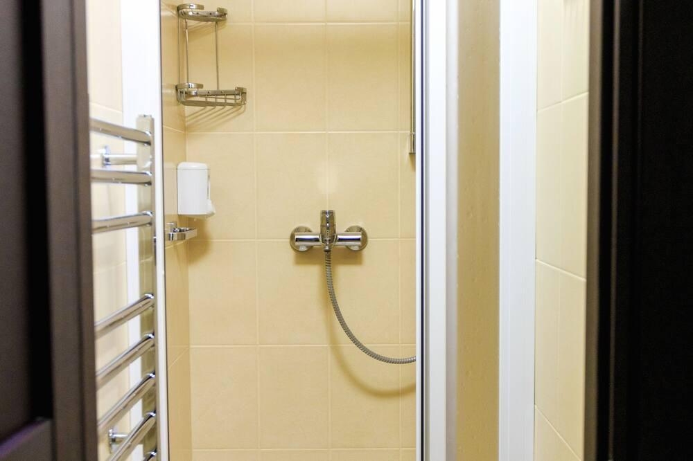 Standardzimmer, Mehrere Betten, Nichtraucher, Zugang zur Business-Lounge - Dusche im Bad