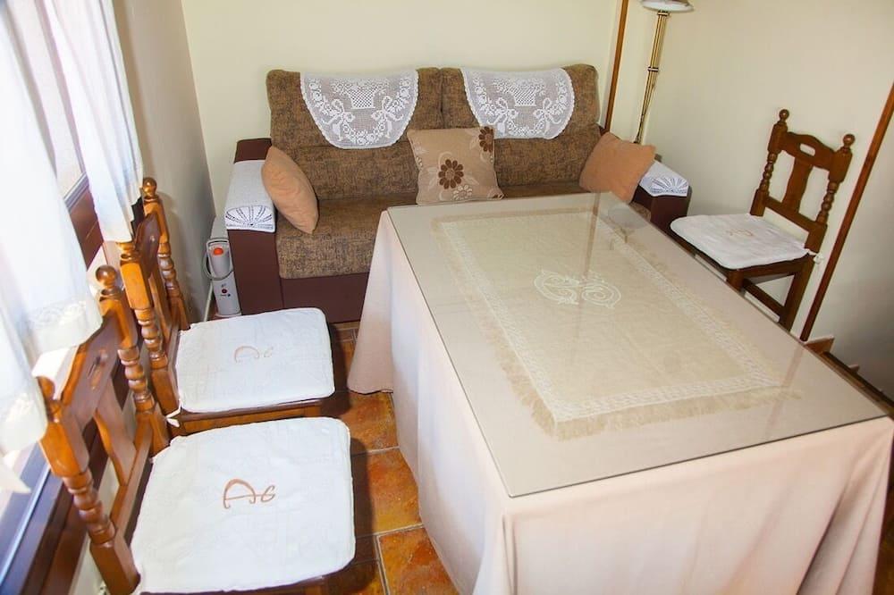 Apartment, 1 Bedroom (Flor de Cerezo) - Living Area