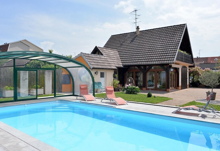 De L'autour By Gîtes de France, Habsheim, Standard Room, 1 Bedroom, Private Bathroom, Pool