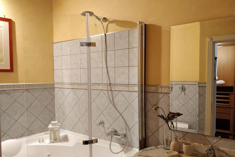 Doppel- oder Zweibettzimmer - Badezimmerausstattung