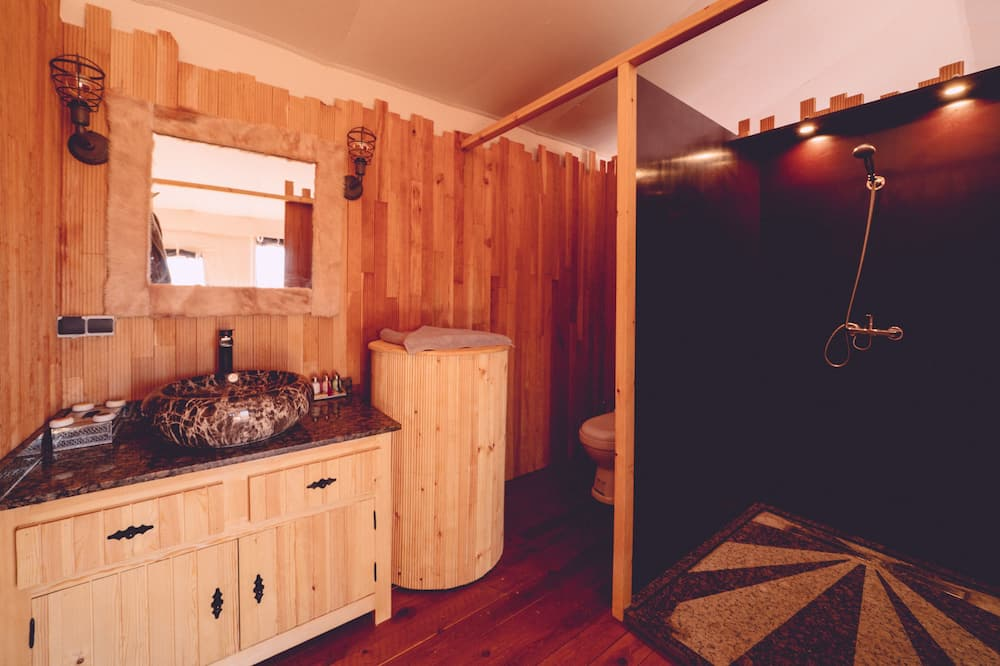 Luxury Suite Tent - Bathroom
