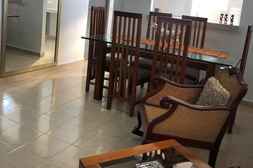 Denys Private Apartment