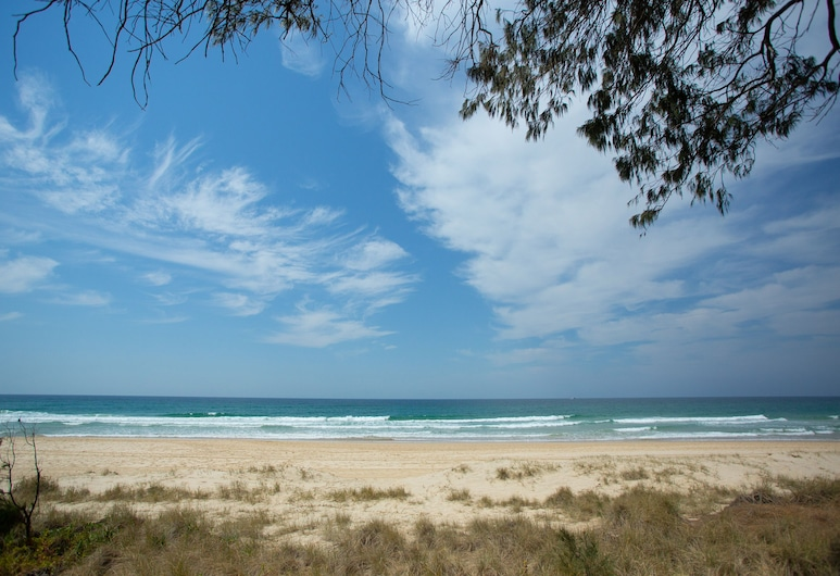 Imperial Surf Private Apartments, Surfers Paradise, Beach