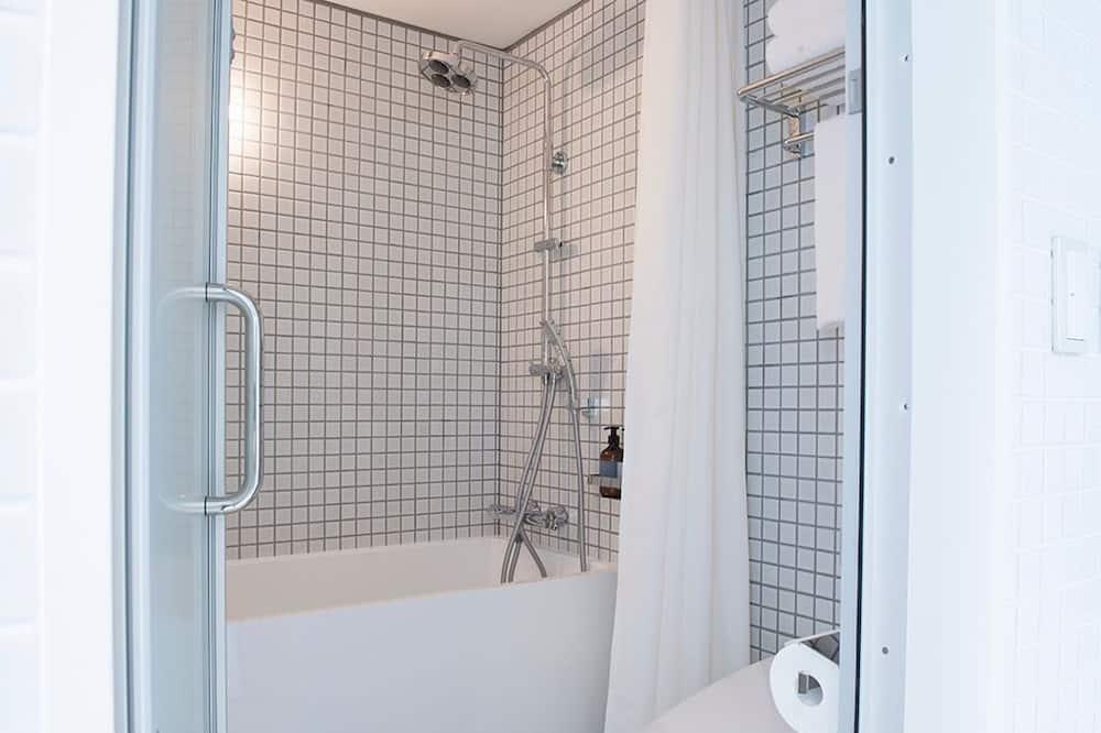 Phòng 2 giường đơn Tiêu chuẩn - Phòng tắm