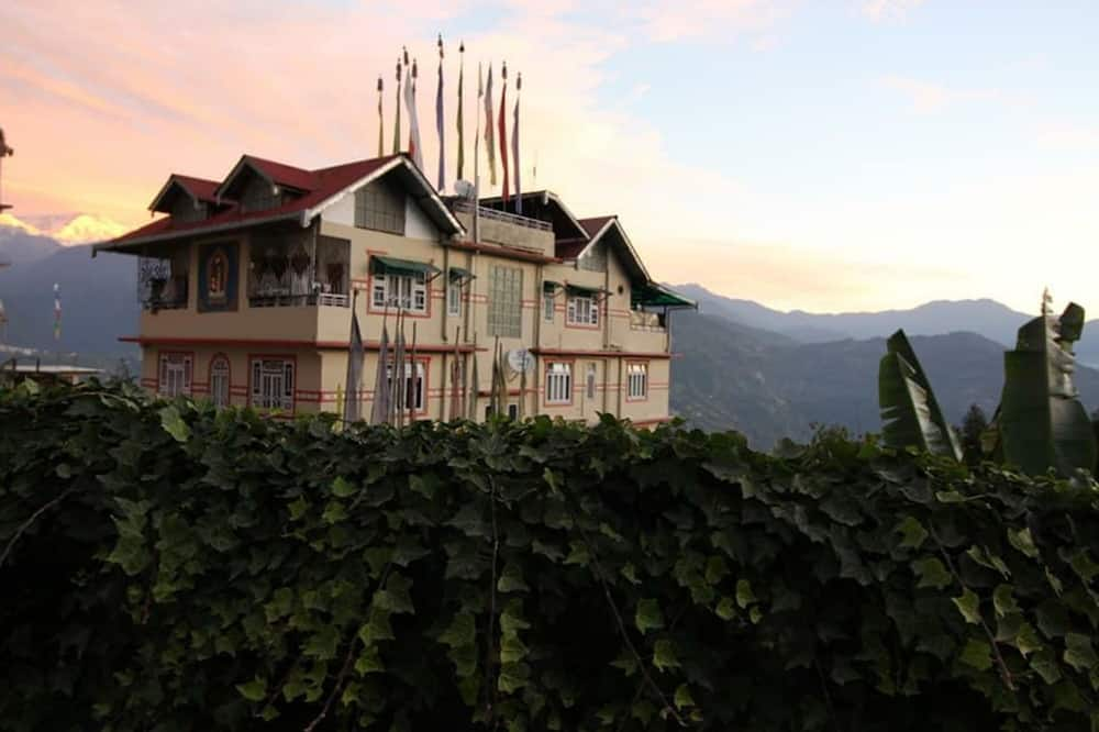 Rabdentse Residency