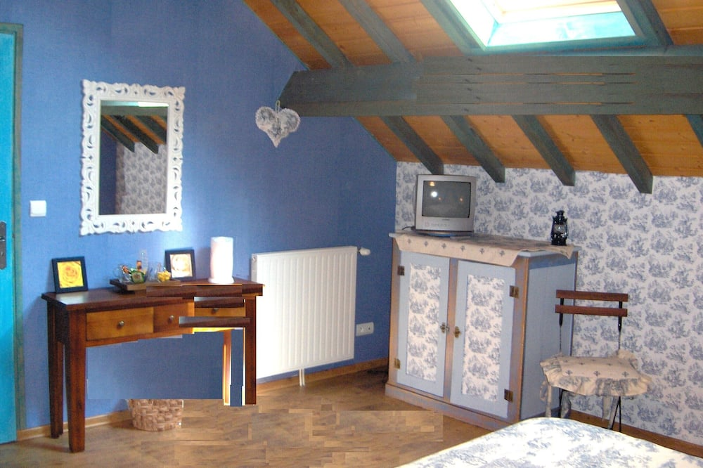 Classic Double Room (Grenier d'Helene) - Living Area