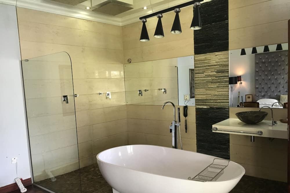 Двухместный номер для новобрачных с 1 двуспальной кроватью - Ванная комната