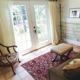 Exclusive-suite - 1 kingsize-seng med sovesofa - pejs i værelset - udsigt til gårdsplads - Opholdsområde