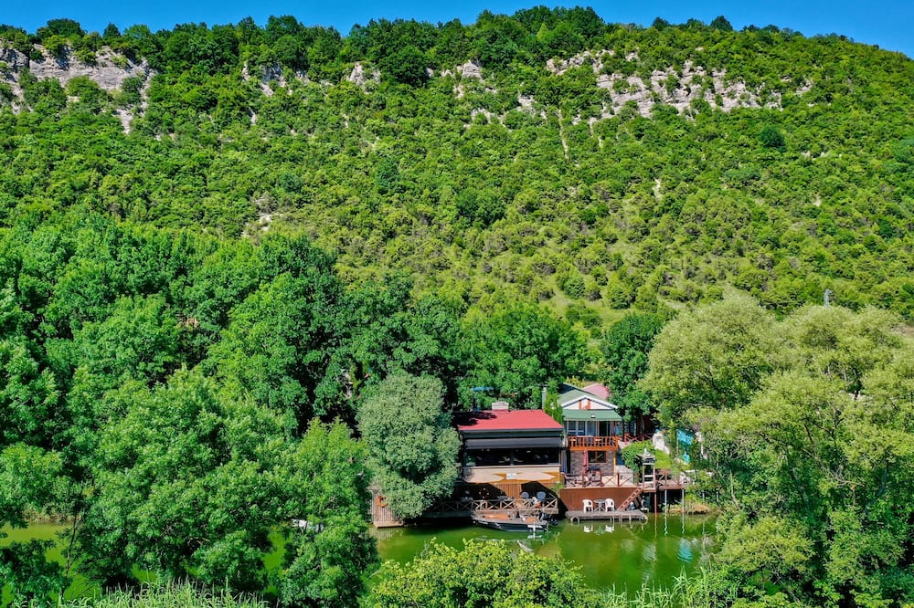 Antik River House