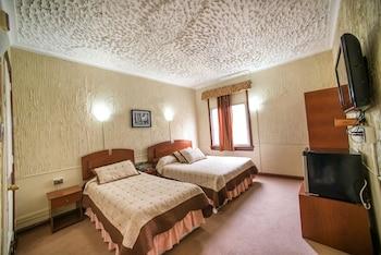Picture of Hotel Sahara Inn in Santiago