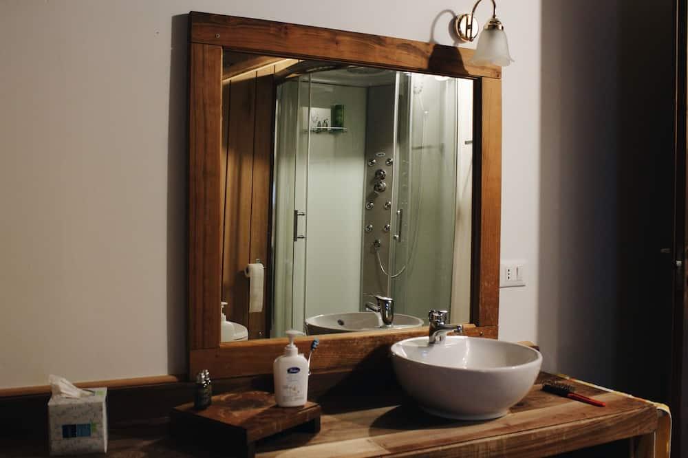 Double Room, Hill View (Patrcjie Bertrand) - Bathroom Sink