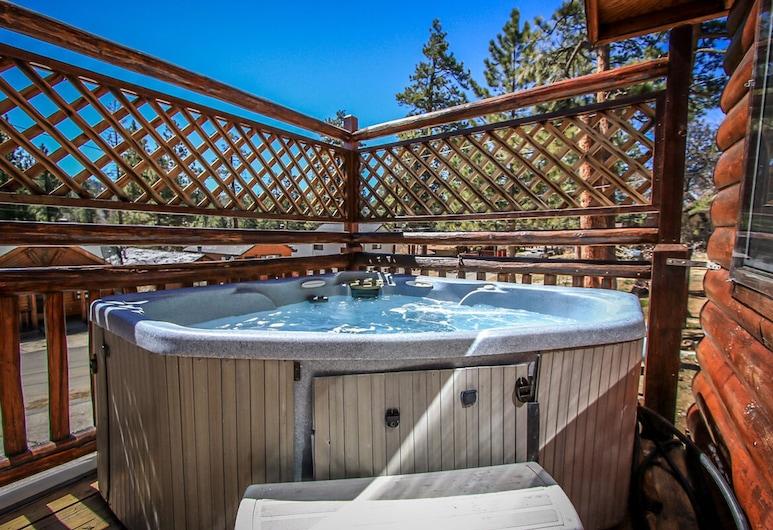 熊掌平房酒店 - 379 大熊假期酒店, 大熊湖, 室外 SPA 浴池