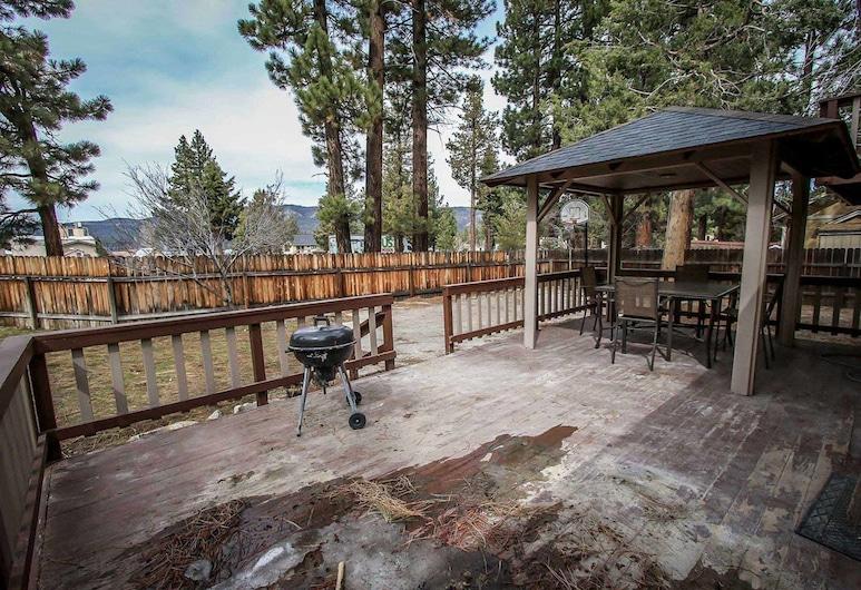 Bear Stone-686 by Big Bear Vacations, Danau Big Bear , Rumah, 4 kamar tidur, Balkon