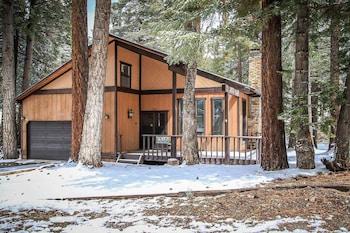 A(z) Colbert Cabin-966 by Big Bear Vacations hotel fényképe itt: Moonridge