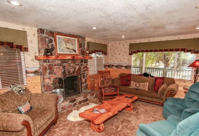 尤里卡木屋酒店 - 1765 大熊假期酒店, 大熊湖, 單棟房屋, 2 間臥室, 客廳