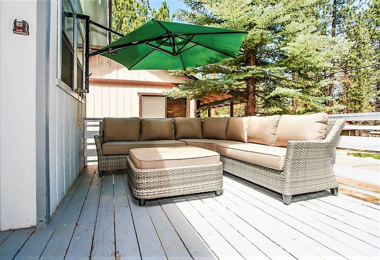 Goldilocks Getaway-1828 by Big Bear Vacations, Big Bear Lake, Talo, 2 makuuhuonetta, Terassi/patio