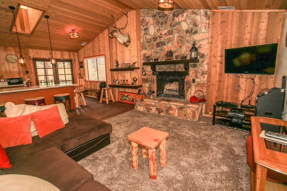 Rumah, 2 kamar tidur - Ruang Keluarga