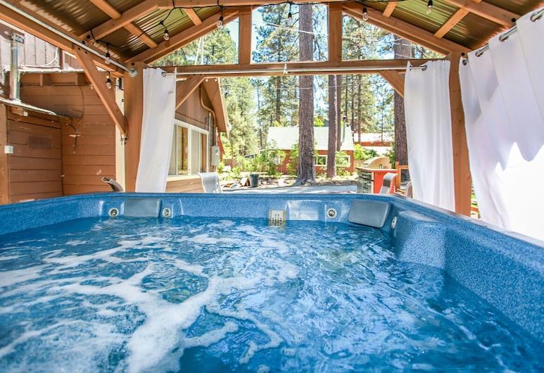 羅賓斯棲鳥酒店 - 1837 大熊假期酒店, 大熊湖, 室外 SPA 浴池