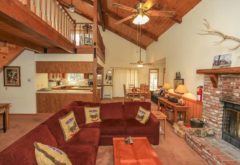 Oak Inn-1682 by Big Bear Vacations, Big Bear Lake, Talo, 3 makuuhuonetta, Olohuone