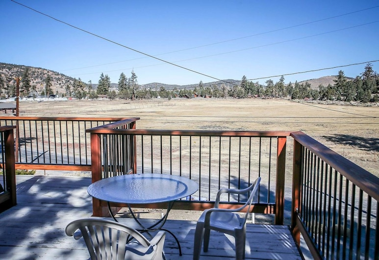 Meadow View Chalet-1632 by Big Bear Vacations, Big Bear, Rumah, 2 kamar tidur, Balkon