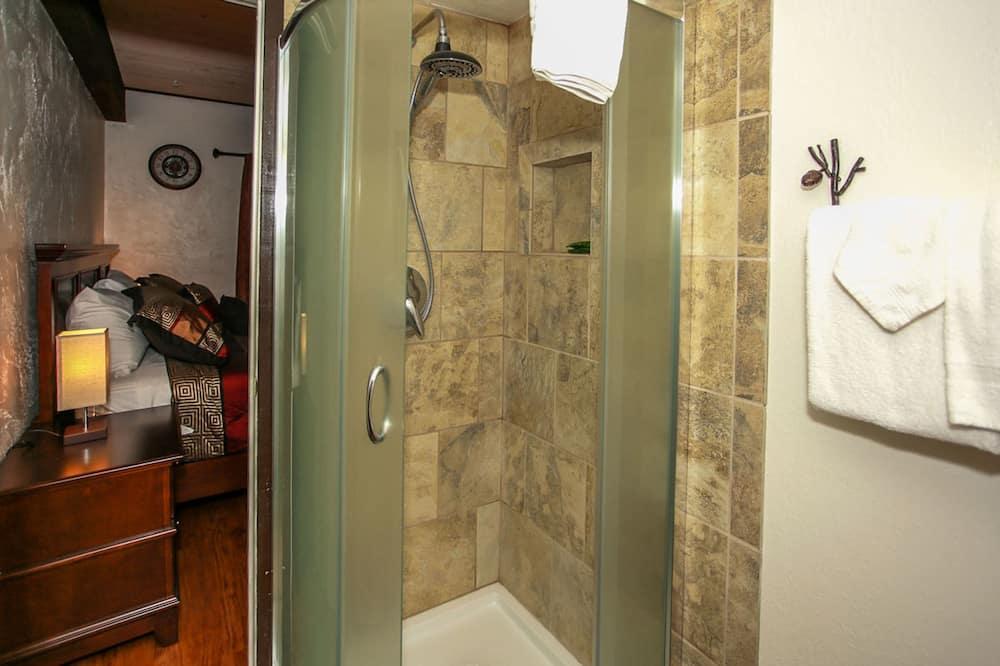 Rumah, 2 kamar tidur - Kamar mandi