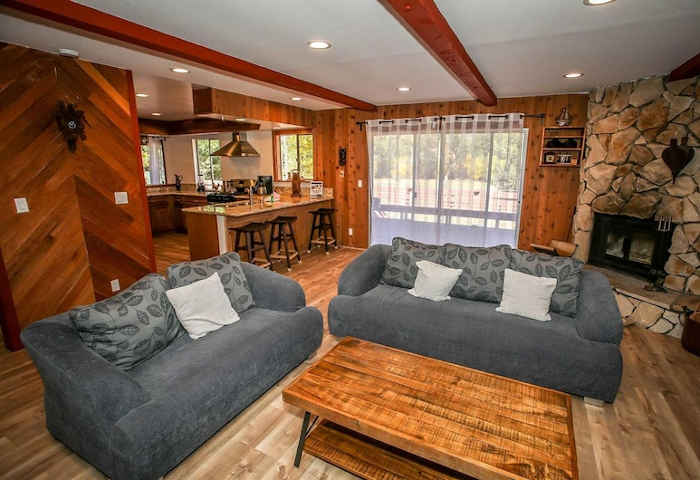 Pine Cone Meadow-1627 by Big Bear Vacations, Big Bear Lake, Talo, 3 makuuhuonetta, Olohuone
