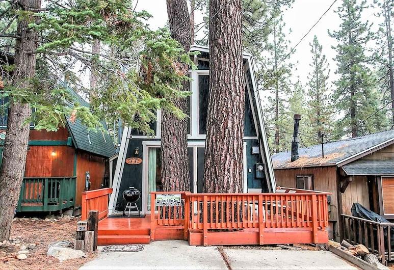 Twin Pines Cabin-1781 by Big Bear Vacations, Big Bear Lake