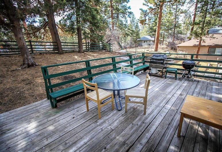 Three Bears Cabin-1574 by Big Bear Vacations, Big Bear Lake, Namas, 2 miegamieji, Balkonas