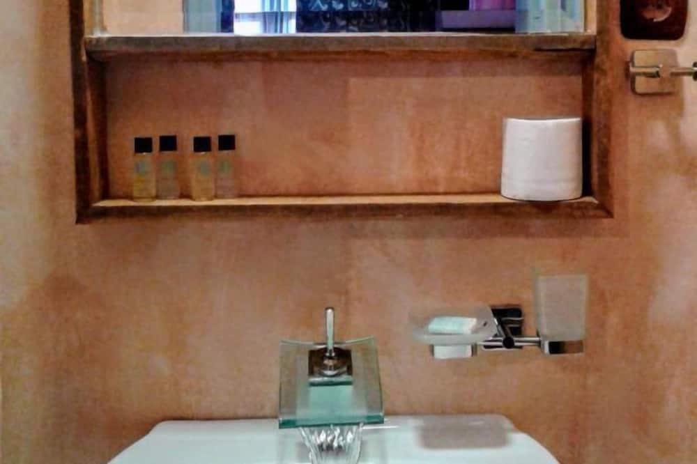 Double Room (Agriokastania) - Bathroom Sink
