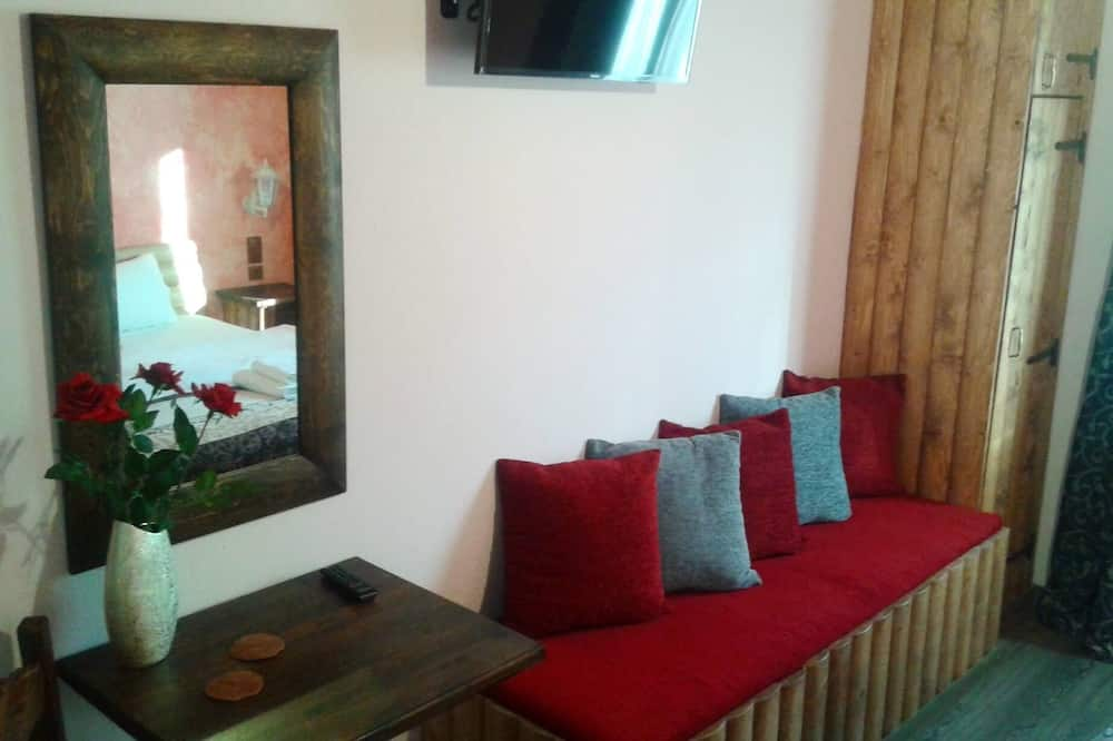 Double Room (Palio Gefyri) - Living Room