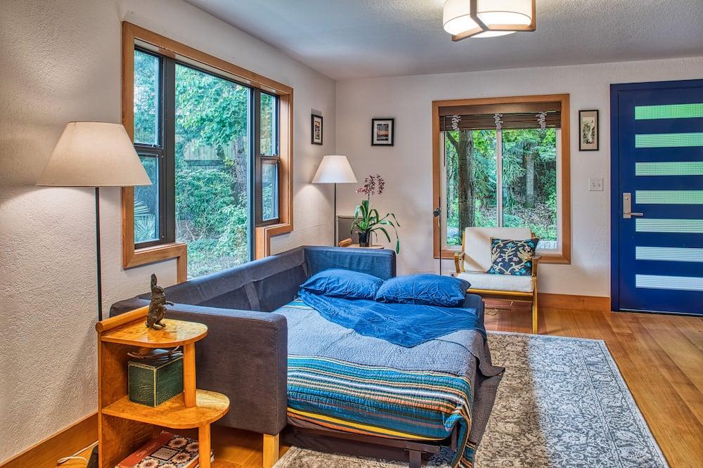 Japanese Garden Suite - Living Room