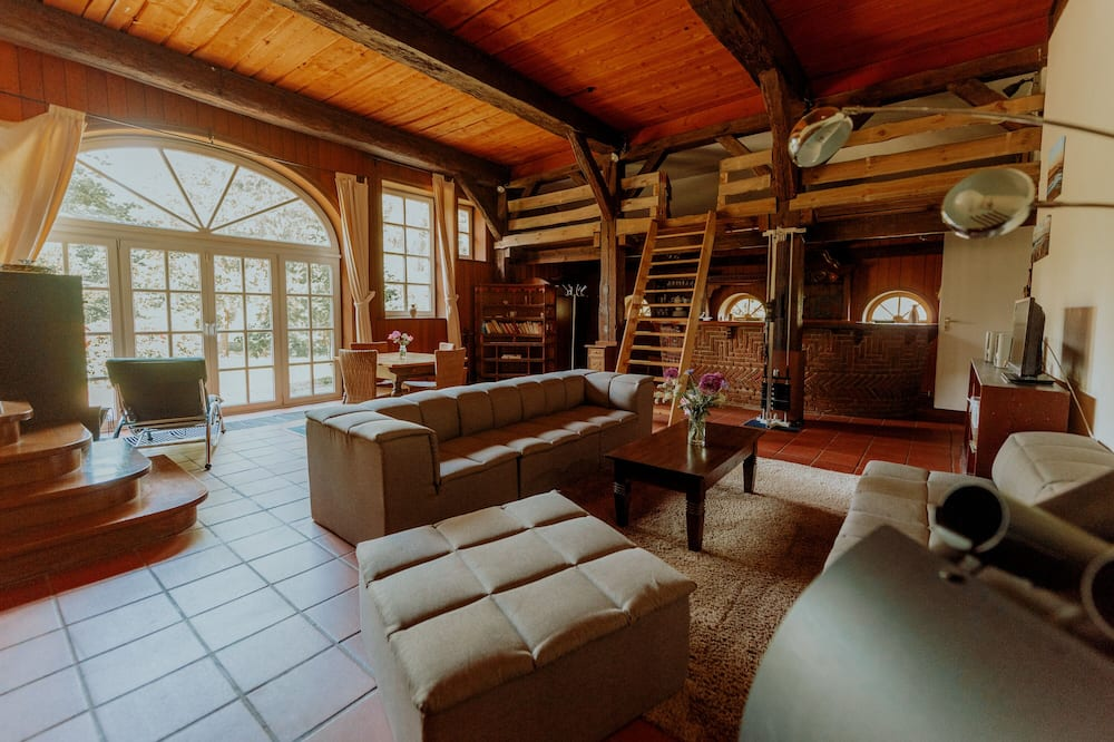 Deluxe Villa (incl. 400 EUR cleaning fee) - Living Area