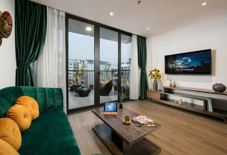 The Bloom Ha Noi, Hanoi, Family Suite, Living Area