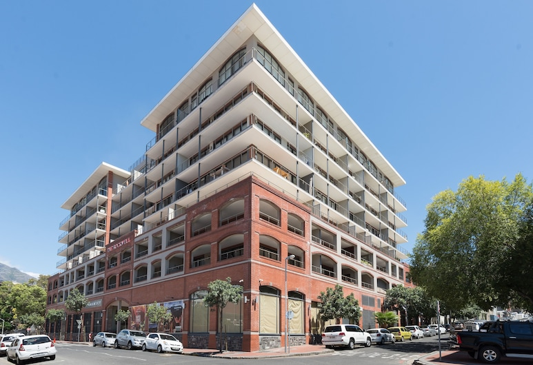 The Rockwell 205, Cape Town