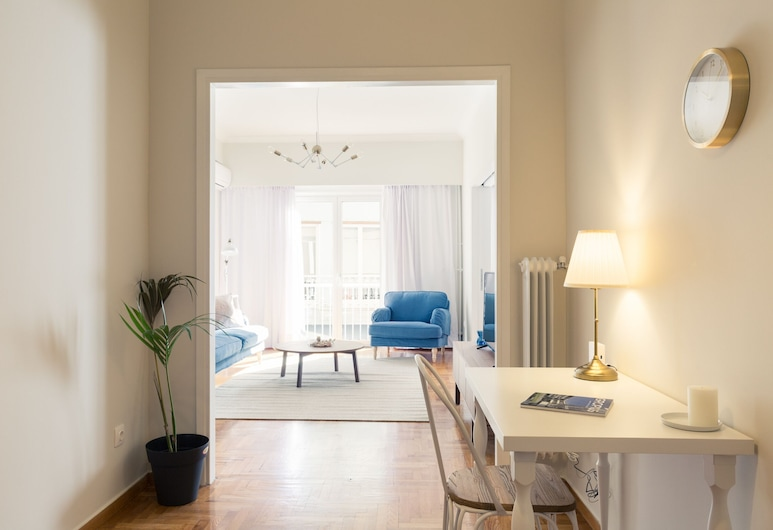 UPSTREET Chic Flat in the Heart of Athens, Athens, Apartment, Ruang Tamu