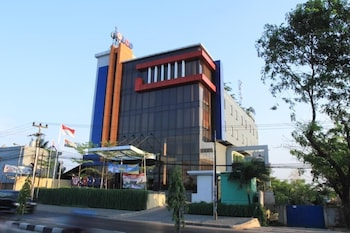 Picture of Igloo Hotel & Function Hall in Cikarang